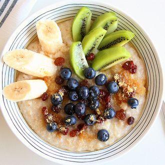Porridge fruits frais et graines de lin