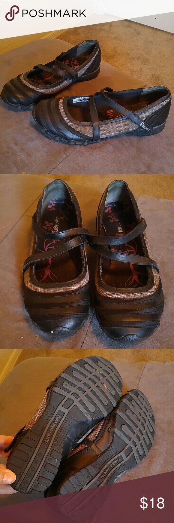 Skechers Mary Jane Flats sz 8 Skechers Mary Jane flats sz 8. Skechers Shoes Flats & Loafers