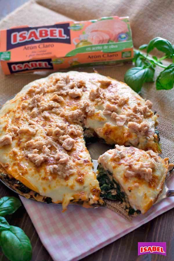 Receta de lasaña de crepes, espinacas y Atún Claro Isabel. Receta en vídeo. Cenas fáciles, lasaña de crepes con espinacas y atún.