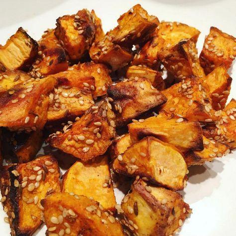 Recept voor zoete aardappel uit de oven, snel en eenvoudig te maken. Ook lekker om als lunch mee te nemen naar je werk! Weinig ingredienten en zeer smaakvol