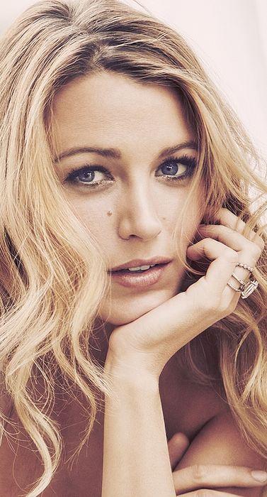 Blake Lively ♥                                                                                                                                                      More