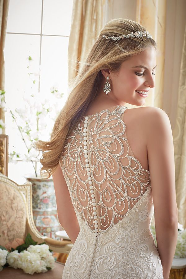 This feature comes with a warning. You are about to fall in love all over again with Mori Lee by Madeline Gardner Fall 2016 celebrating sweet femininity.