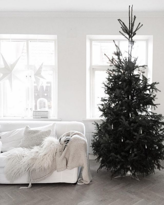 25 Scandinavian Christmas Living Room Decor Ideas Christmas Decorations Living Room Scandinavian Christmas Scandinavian Christmas Trees