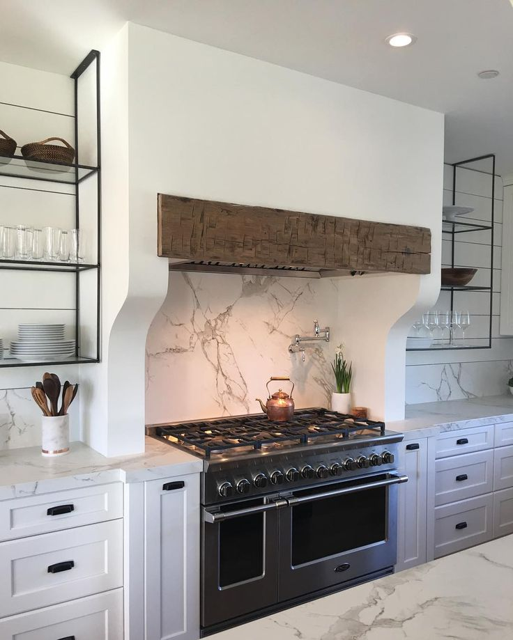 Marie Flanigan Interiors - Traditional Home Napa Valley Showhouse - Peju Winery - DSC Appliances - Amerock Hardware - Circa Lighting - DXV Luxury - Sile Stone By Cosentino