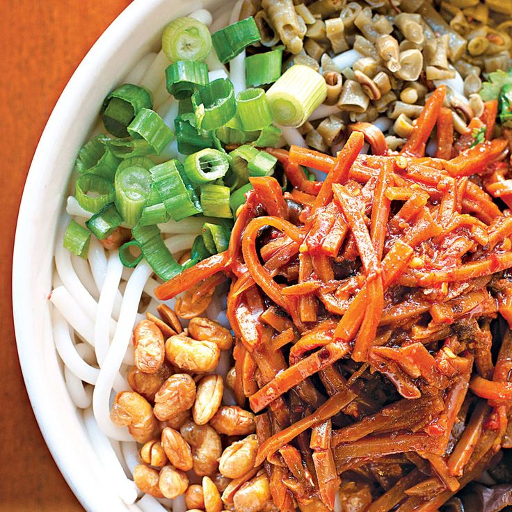 Gui Lin Mi Fen Brings a Seldom-Seen Rice-Noodle Soup to Queens' Chinatown