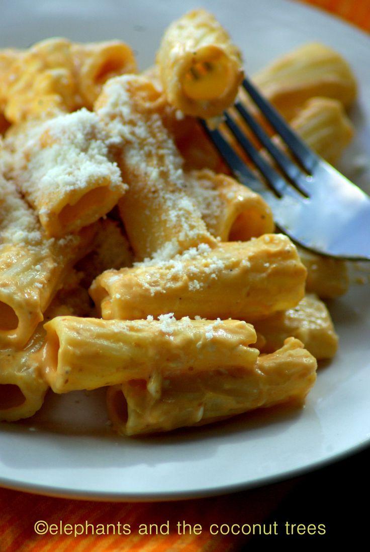 Creamy Squash Rigatoni #fallfest #vegetarian #pastarecipe A quick and ...