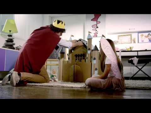 Leonessa abbraccia ragazzo amico - YouTube  Amore puro