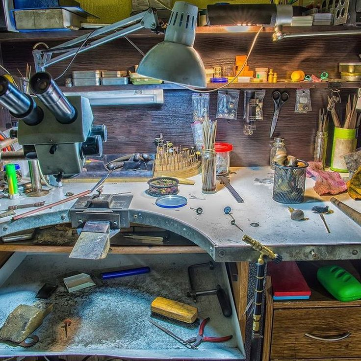 Рабочее место нашего мастера, где создаются уникальные ювелирные украшения #ddmjewelry #ddmkievua #jewelerkiev #jewelry #ювелиркиев
