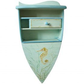 Suspended bedside with seahorse, all solid wood, boat-shaped, made and painted entirely by hand. #madeinitaly #artigianato #bedside #comodino #wood #legno