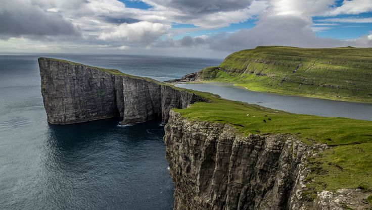 It's the biggest lake in the Faroes Island, and it's above the North Atlantic Ocean.