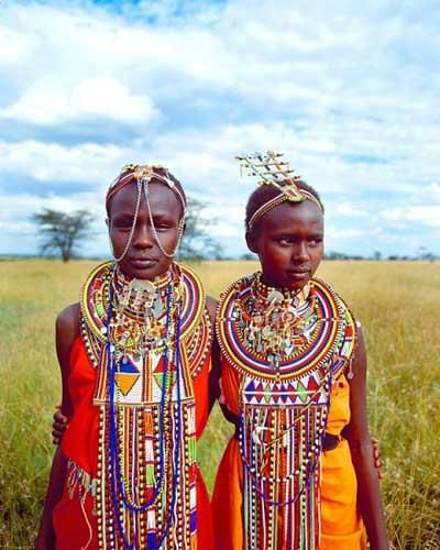 The Maasai women have numerous chores from building the hut, milking the cows, fetching water, & other basic chores. It is obvious to see that the Maasai women are very vital to the growth of the tribe. In present times, the Maasai try to make an income from selling beaded jewellery, masks & carvings to tourists who appreciate their culture.