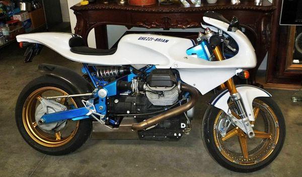 Un tesoro en California se encuentra a la venta.  #Motos #Antiguas #Guzzi #Ducati