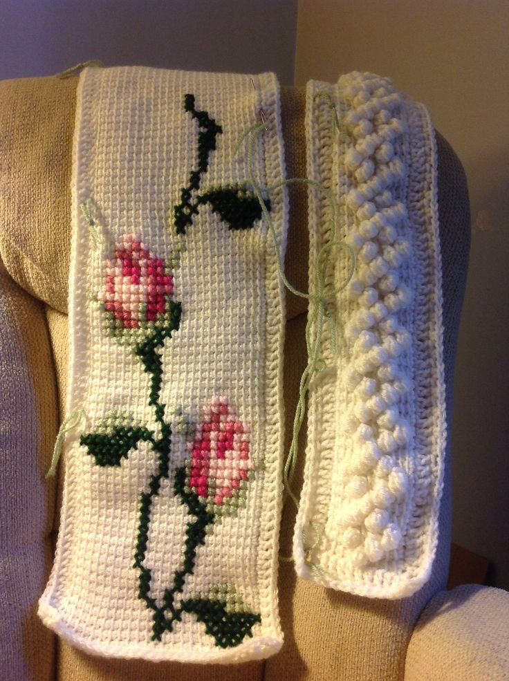 "Ravelry: Elizabeth1558's ""Rosebud Throw"""