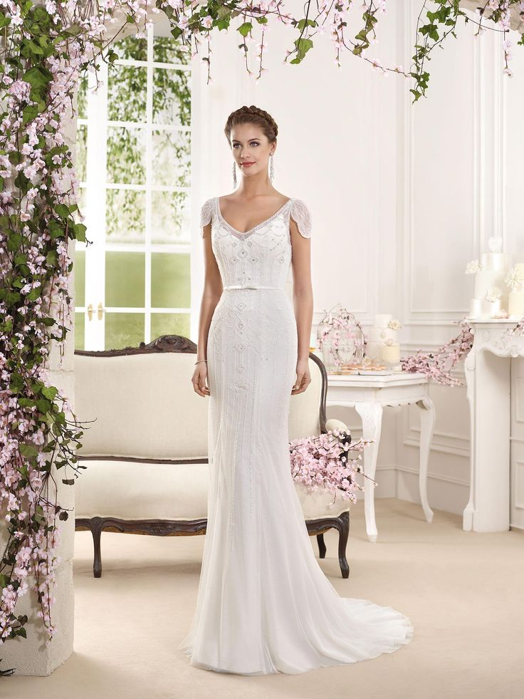 Fara Sposa 2016 bridal collection | Wedding Dresses 2016 | https://www.fabmood.com/fara-sposa-wedding-dresses-2016/ #farasposa #wedding dresses #weddinggown::