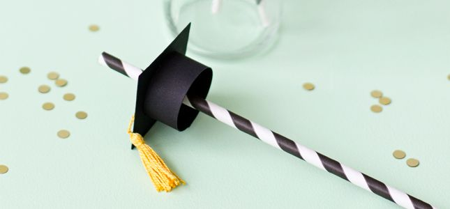 Do you have a graduation coming up in your family?Those grads definitely deserve a big bash for all their hard work, and these graduation cap paper straws are absolutelythe perfect accessory for said big bash. Making these mini caps is as easy as 1,2,3 and I can't stand how cute those mini tassels are!  Start byopening design#59831 in Silhouette Studio. As you can see I only used two elements from thedesign and I added a simple circleto the middle of the main square, for the straw ...