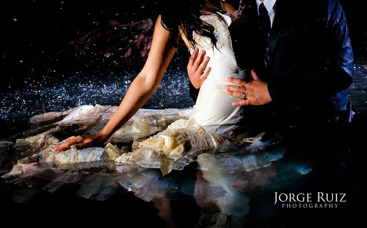 Obsessed. Trash the Dress. Embrace the Passion. #water #camecuaro #michoacan #mexico #boda #fotos #fantasia #fairytale #yaparanormal