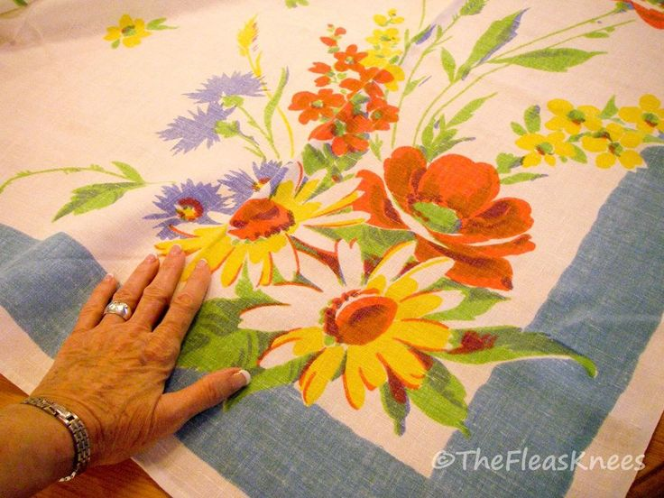Vintage Wildflowers Print Tablecloth X Nice