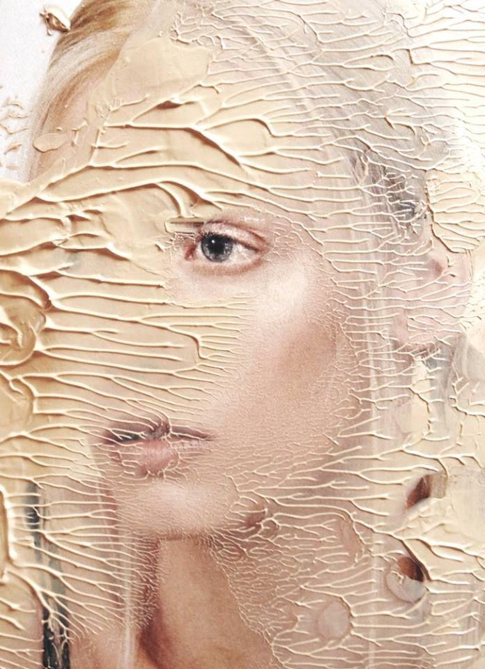 Małgorzata Turczyńska  Do some thick and some thin paint do people of different race/skin tone