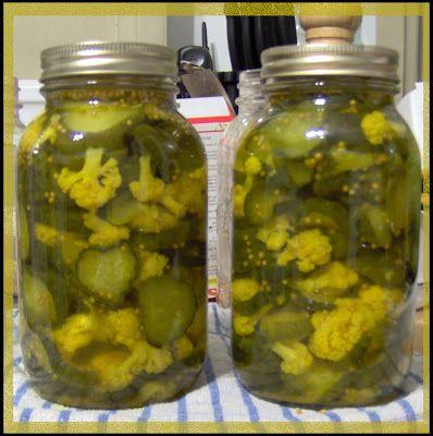Je vous le jure, c'est ma mère qui détient la meilleure recette de cornichons sucrés ! En plus, elle y ajoute des choux-fleurs... OH MY GOD ...