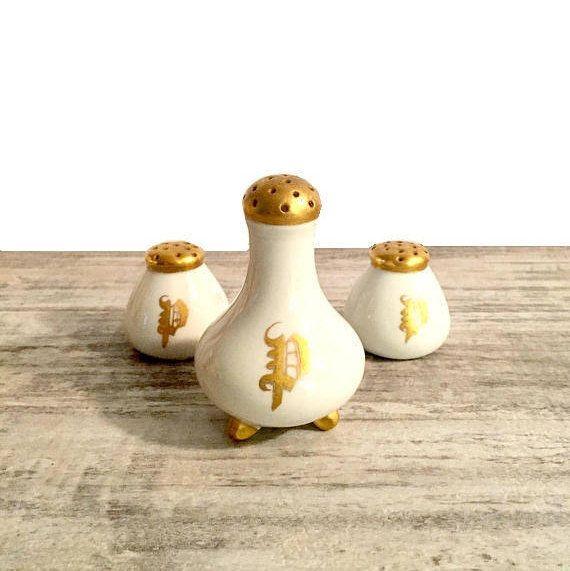 Vintage Pepper Shakers Gold and White Porcelain Letter #Porcelain #SaltandPepperShakers #Setof3 #Antiques #etsy #etsyseller #etsyfinds #etsyvintage #GoldandWhite #WhiteandGold #VintageSaltandPepperShakers