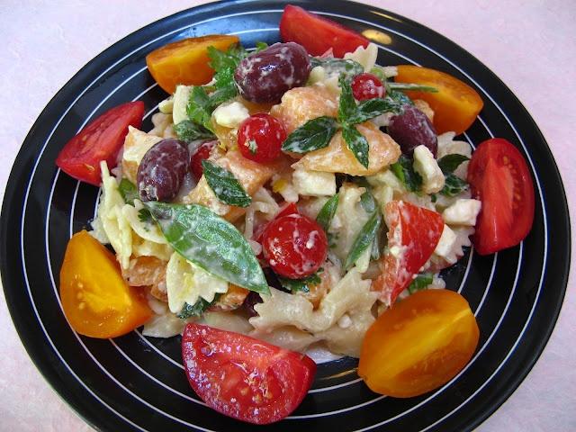 Greek Yogurt Cantaloupe Pasta Salad: Salad Recipes, Pasta Salad, Easy Salad, Cantaloupe Pasta, Greek Yogurt, Yogurt Cantaloupe, Soup Easy