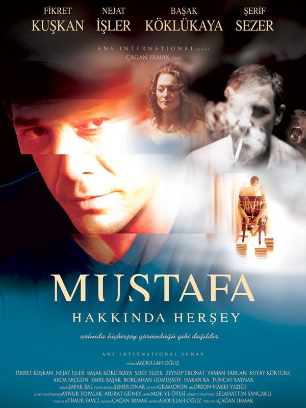 Dışardan bakıldığında Mustafa için hayat sanki toz pembe gözükmektedir. Zira başarılı bir iş yaşamı görülmektedir. Bu yüksek kariyer, mutlu giden bir