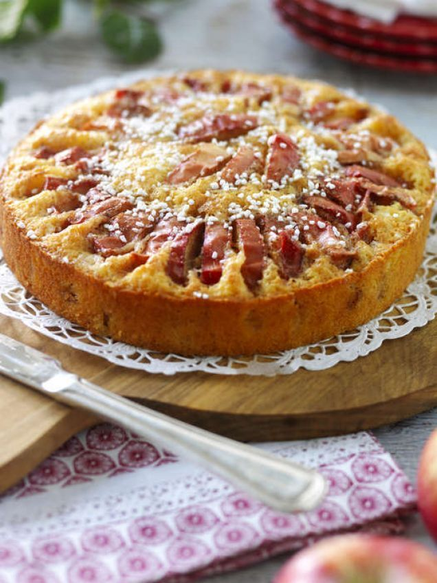 Baka en äppelkaka som är både god och vacker att se på. Recept på äppelkaka som gillas av alla.