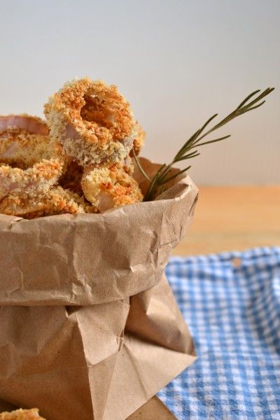baked rosemary onion rings