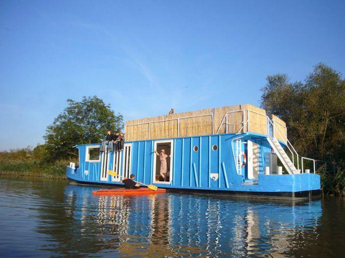 Ferien auf dem Hausboot auf der Elbe in Hamburg
