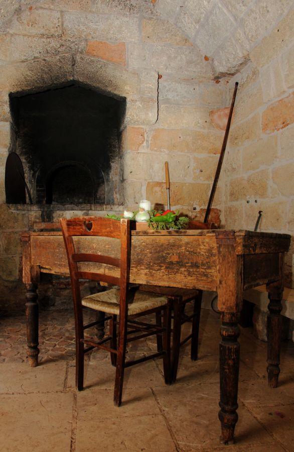 Un vecchio forno per la cottura del pane in una masseria del basso Salento