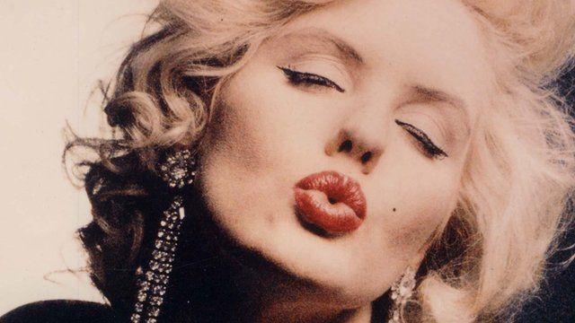 Kiss_monroe