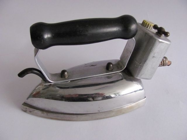 Old Steam Iron ~ Images about old irons on pinterest