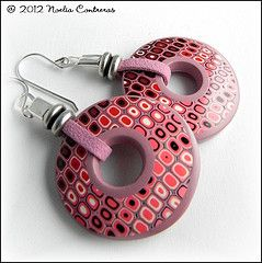 Terrific way to construct these earrings. #polymer #clay #tutorial