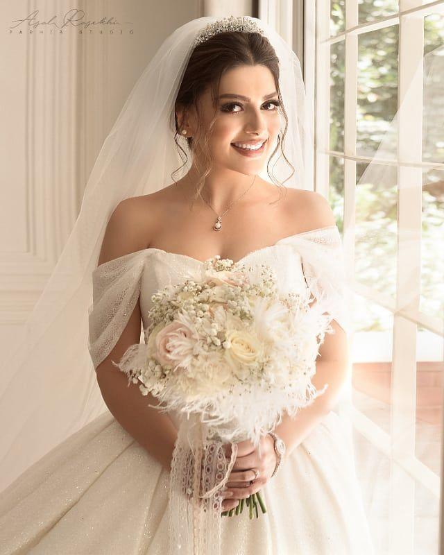 photography #makeup #bride#beautiful #photo #میکاپ #عروس #آرایش #زیبا  #ایران #ایرانی #عر… | Wedding dresses unique, Crepe wedding dress, Wedding  dress long sleeve