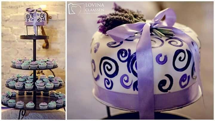 Lavender wedding cake.@The Fat panda