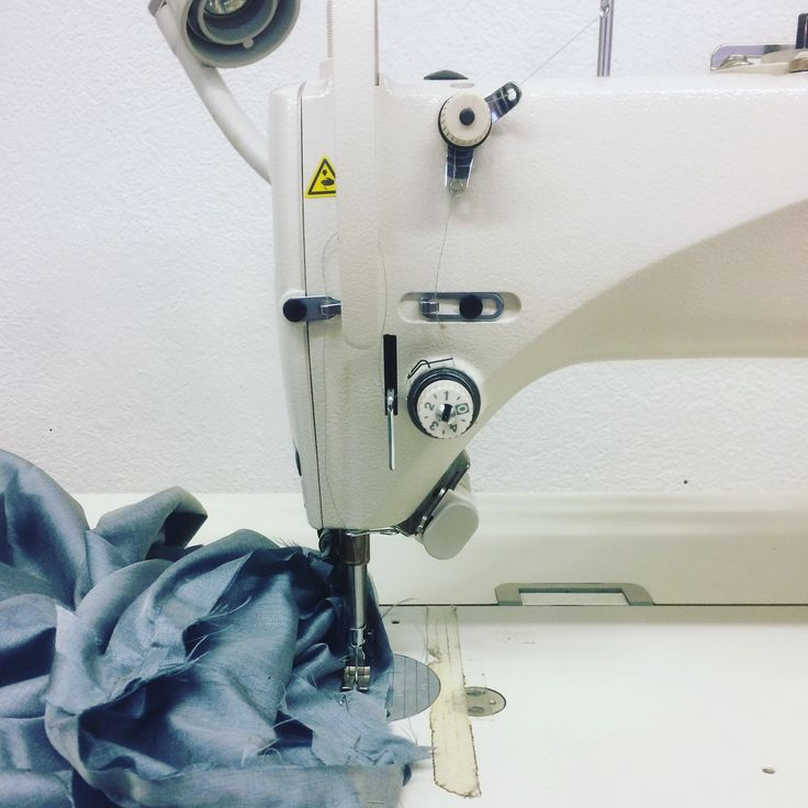 Confection d'un vêtement #couture #confection #mode #designer #machineacoudre #doublure #veste #juki #atelier #vêtements #creatrice