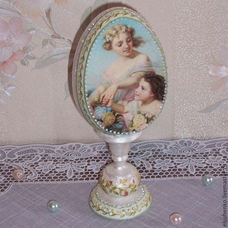 Купить или заказать Пасхальное яйцо 'Мать и дитя' в интернет-магазине на Ярмарке Мастеров.