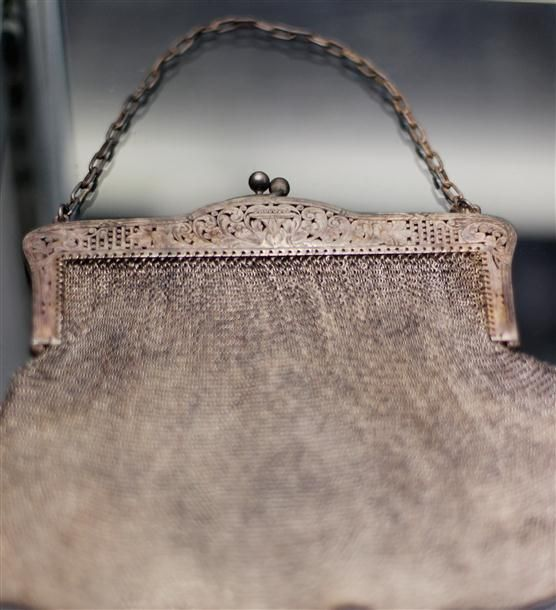 Purse from the Titanic: 100Th Anniversaries, Antiques Mesh Purses, Gold Mesh, Purses Recover, Antiques Pur, Rms Titanic, Titanic Artifacts, R M S Titanic, Titanic Wreck