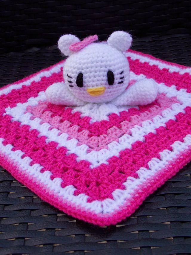Patroon Hello Kitty knuffeldoekje Je begint met het haken van een vierkantje/granny square.Een patroon van een granny square kun je o.a. hier vinden.Zoals jullie op de foto zien heb ik geen gewone g