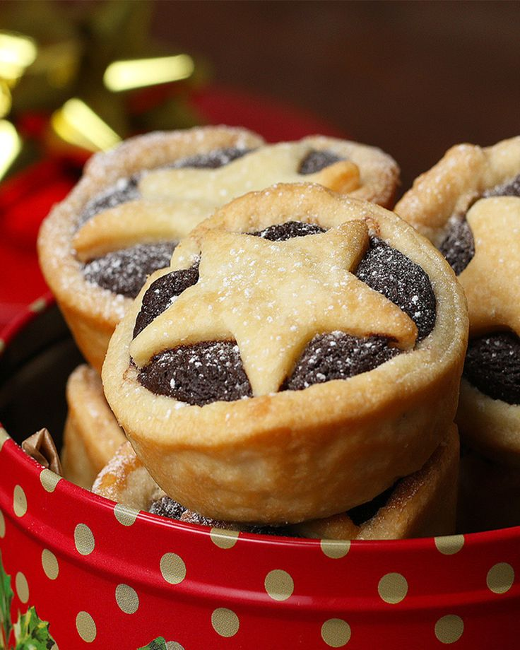Brownie Mince Pies Makes 12  INGREDIENTS  Brownie Batter 100 grams butter 100 grams brown sugar 150 grams chocolate 2 eggs 2 tablespoons flour  1 sheet shortcrust pastry  100 grams mincemeat  Icing sugar, for coating   PREPARATION 1. Preheat the oven to 180°C. 2. Melt the butter with the sugar in a saucepan over a low-medium heat. 3. Once melted, take off the heat and stir in the chocolate. 4. Beat in the eggs. 5. Stir in the flour. 6. Using the rim of a glass, make 12 circle