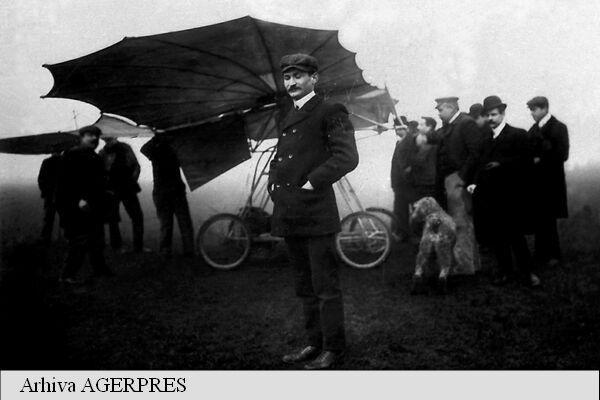 Traian Vuia, pionier al aviației românești și mondiale în fața monoplanului său