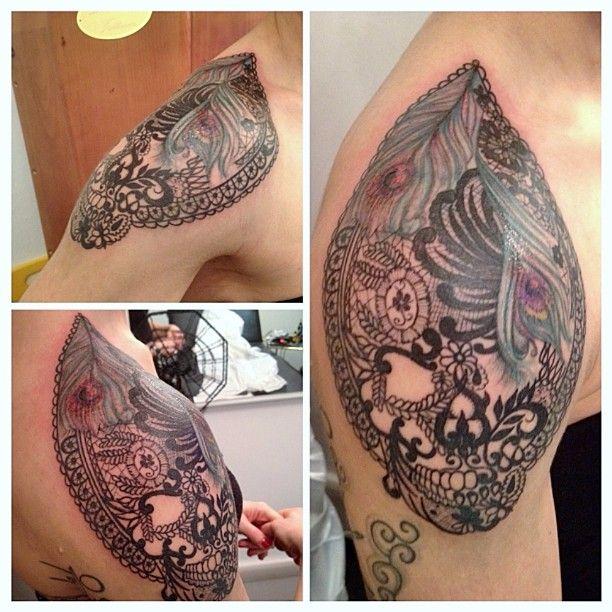 Tattoo Skull Lace. Rita La Zia Tattooer.