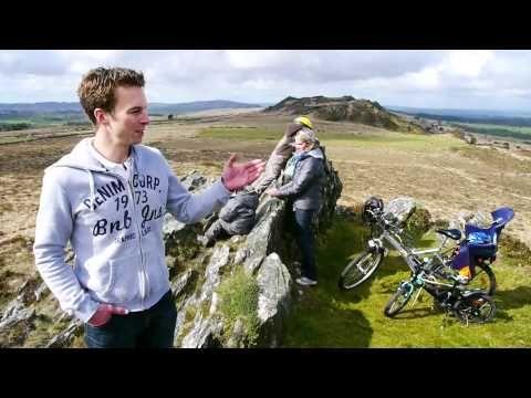 Suivez Stéphane et sa famille dans les fabuleux paysages des Monts d'Arrée et de la Baie de Morlaix: vélos, balades, snorqueling, etc. Le meilleur de le Bretagne et du Finistère !