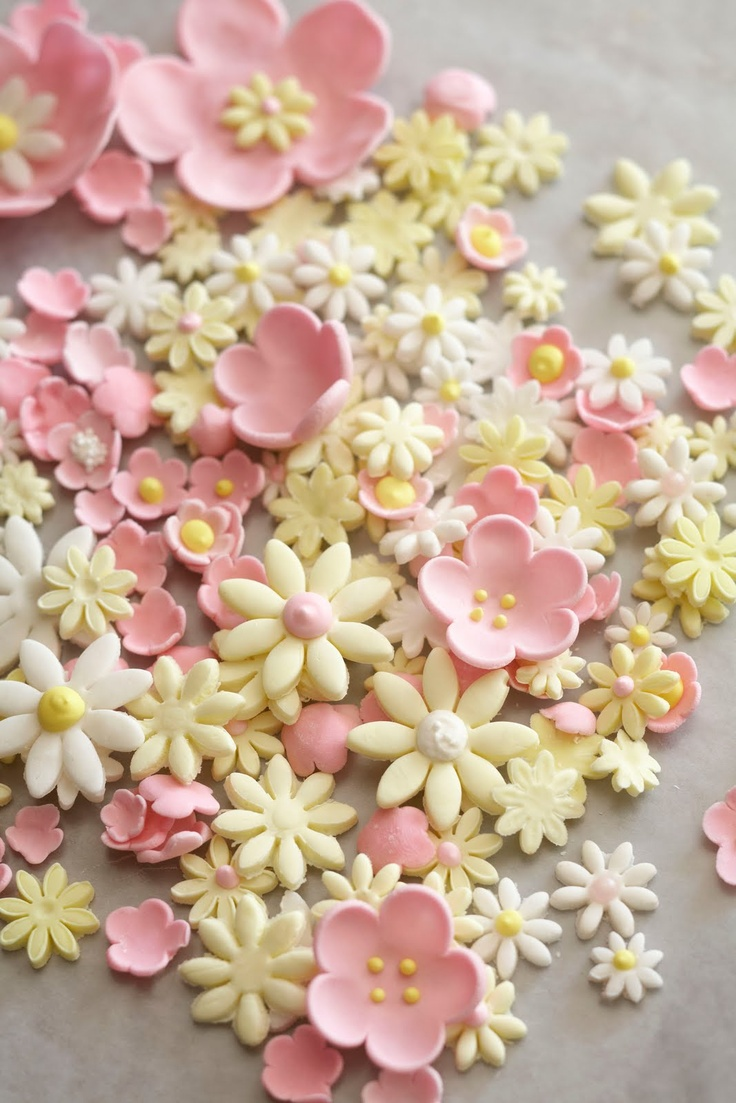 Pink and yellow sugar flowers. Soft and pretty color combination.