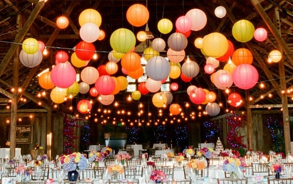 I love this idea for a wedding - but also for my pergola on a summer's evening (picture from Modern Bride)