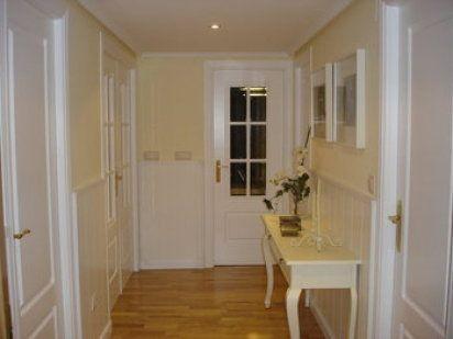 el post de las casas con puertas blancas