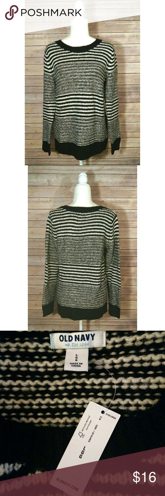 Old Navy black and cream chunky knit sweater NWT Old Navy sweater in a black and cream striped chunky knit.  It is a long sleeve sweater.  It has a round neck.  It is new with tags.   Pet free smoke free home. Old Navy Sweaters Crew & Scoop Necks