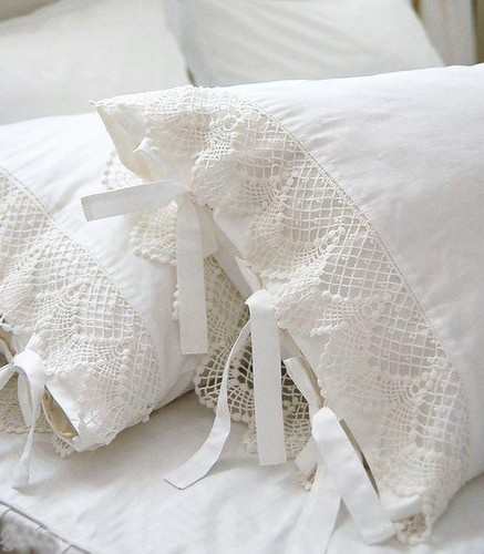 Shabby and Elegant Ivory white lace w/ties matching cotton pillowcase