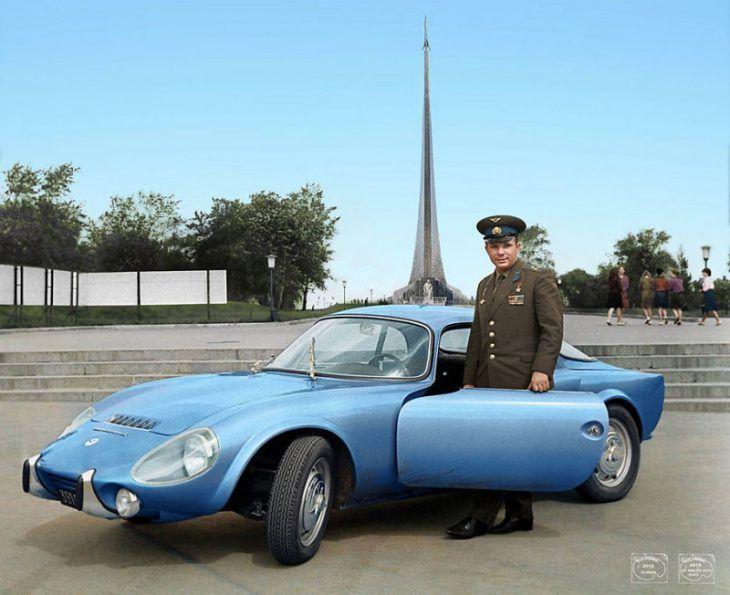 Юрий Гагарин и его Matra Bonnet Djet VS coupe, 1965 год   65 потрясающих старых фотографий в цвете о жизни России с 1900 по 1960 е годы