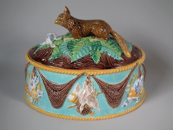 George Jones Majolica fox game pie dish & liner | ID#17675 | Madelena